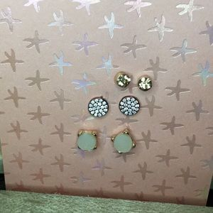 3 pairs of earrings for the price of ONE!💋